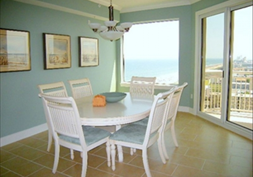 Extravagant Property, Breathtaking Views-Ocean Front Condo